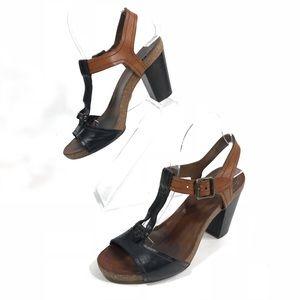 FRYE Silvie Y Buckle Black Leather TStrap Open Toe